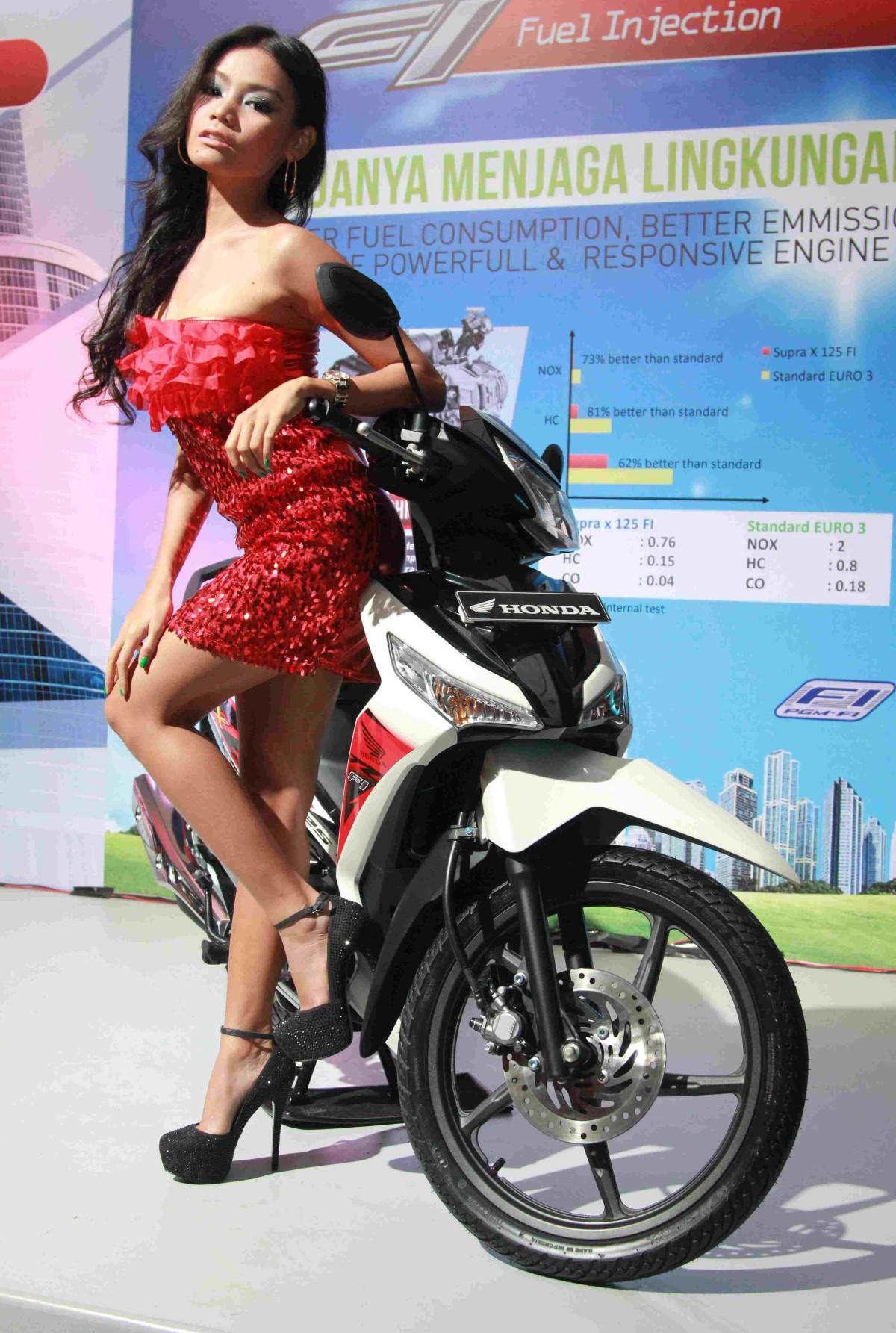 New Supra X 125 FI, Pengganti Supra X 125 Karbu, Rubah Body, Ada Charger handphone dan tembus 61,8 km/liter (ECR40)