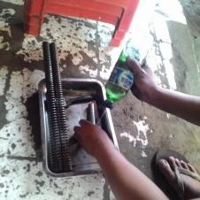 2. Cuci-cuci Main Sring, Cylinder dan Spring COllar (Koin) Sampai Bersih