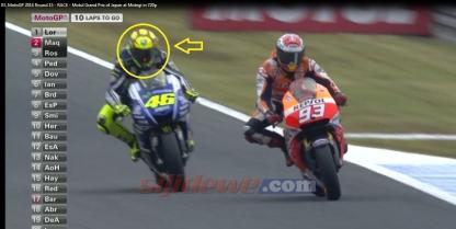 Kedipan Merah di Helm Valentino Rossi