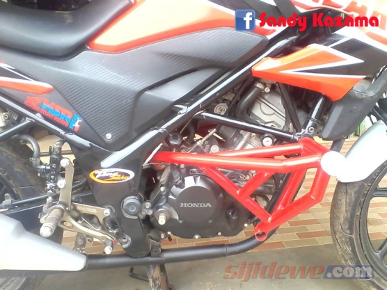 Modifikasi Honda CB150R (1)