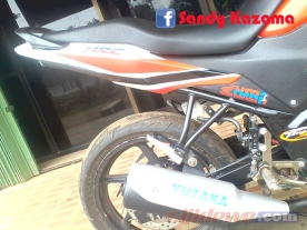 Modifikasi Honda CB150R (4)
