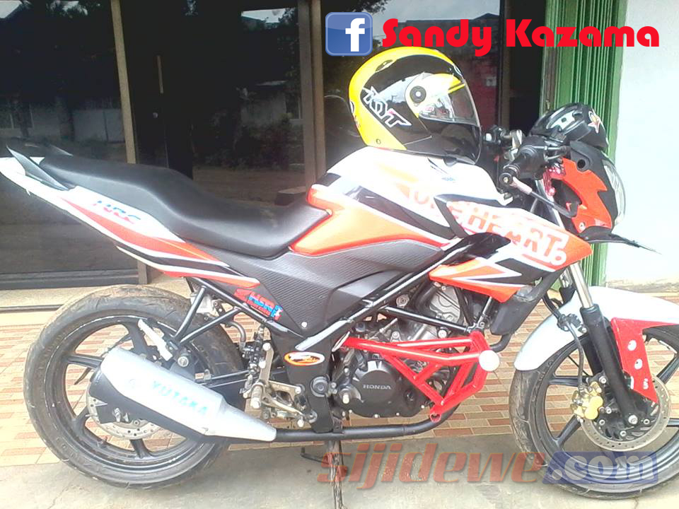 Modifkasi Honda CB150R Pakai Livery CB150R OMRAjib