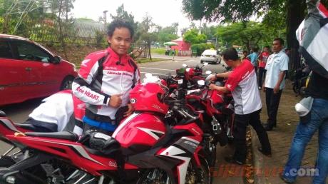 Test-Ride-All-New-Honda-CBR150R-Facelift-2016-1