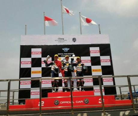 buka-seri-pertama-atc-dua-pembalap-indonesia-langsung-kibarkan-merah-putih-5QA