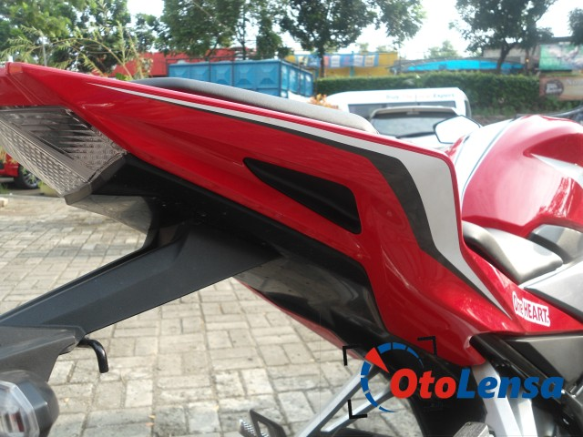 Gallery-New-CBR150R-Facelift-2016-14 (Small)