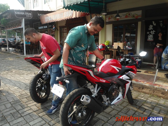Gallery-New-CBR150R-Facelift-2016-27 (Small)